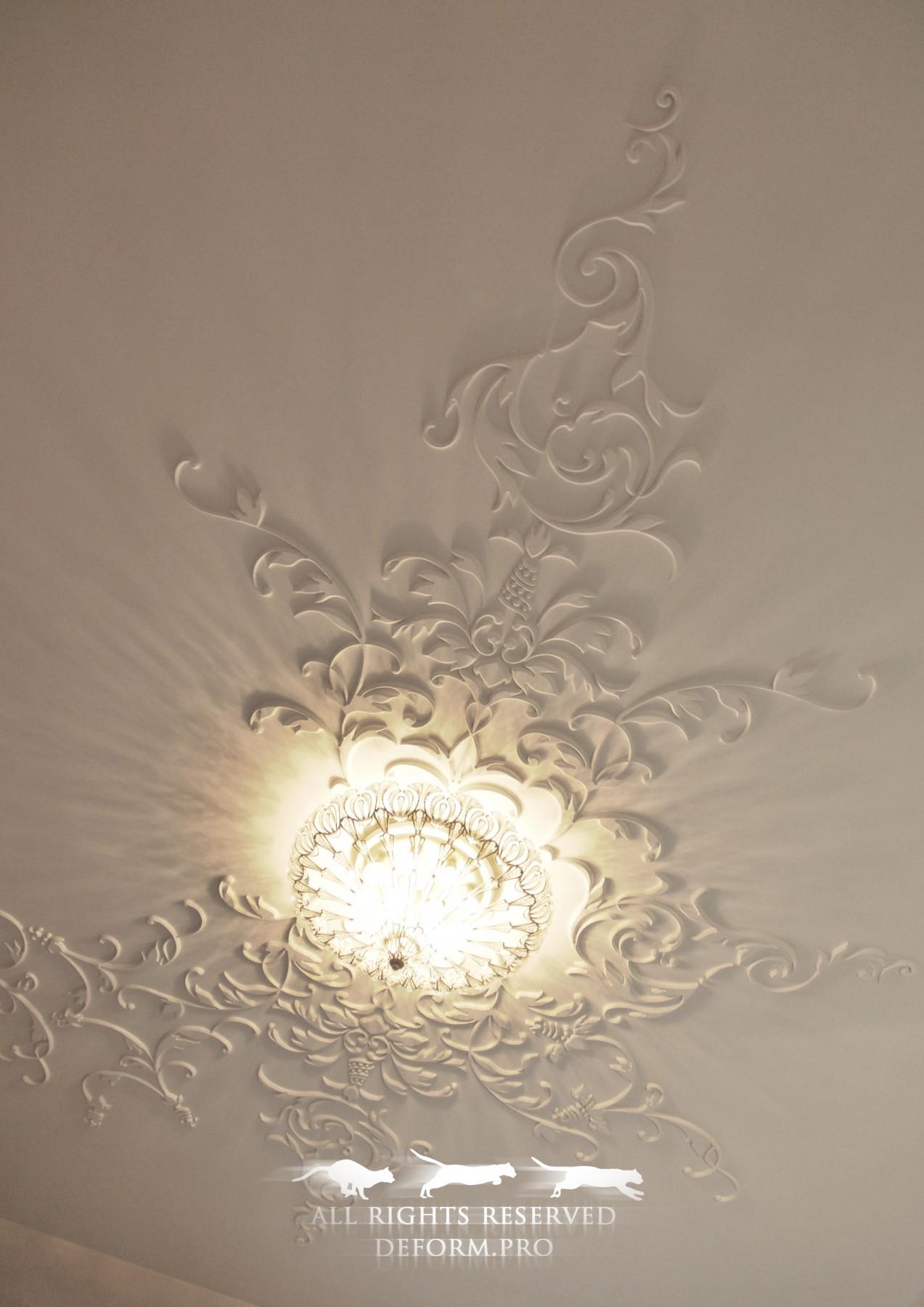 Декор и отделка. Рельефный узор на потолке